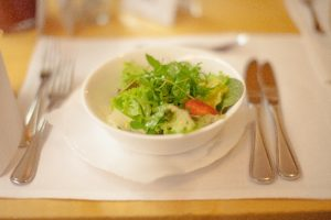 毎日外食の人必見!外食でも健康管理が出来る食べ方