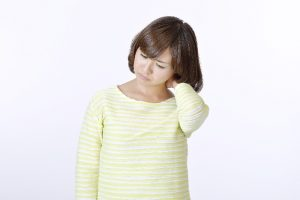 ストレートネックの治し方と枕の選び方