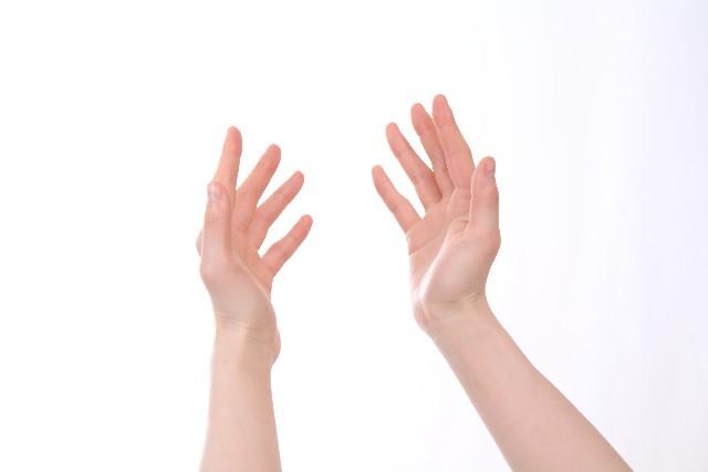 手の震えの原因と考えられる病気とは?
