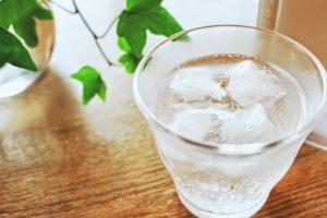 「炭酸水」で基礎代謝を上げて余計なものを排出!