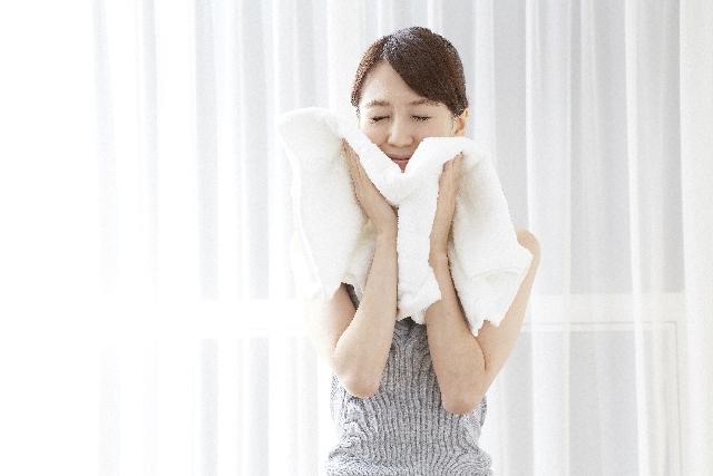 毛穴の汚れの原因は乾燥!蒸しタオル洗顔で優しく除去!