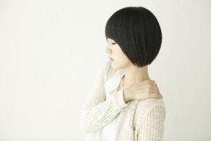 肩こりが原因で乳がんに!?女性が気を付けなければならない病気