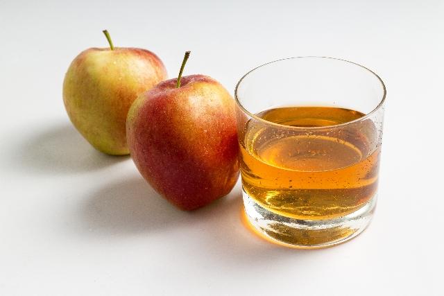 飲むだけでOK!アップルサイダービネガーが女性の健康を作る!